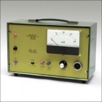 Mid-Century Microwav EE/7AS