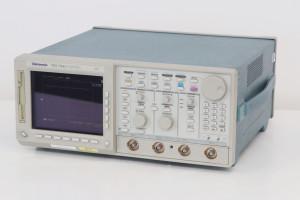 Tektronix TDS744A